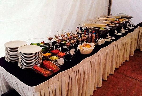 Buffet + Meseros a Domicilio Para 30, 50 o 100 Personas