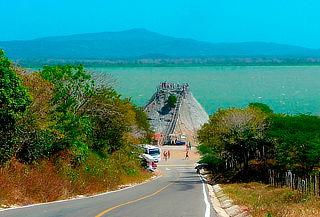 Tour Volcán del Totumo y Visita a Playas en Manzanillo