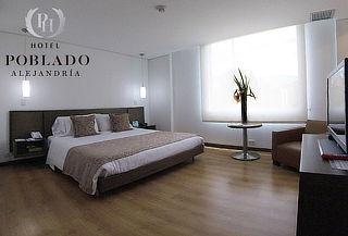 Noche Romántica con Alojamiento + Vino + Desayuno en Poblado