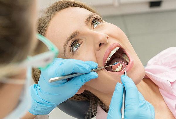 Limpieza Dental con Ultrasonido + Profilaxis en Modelia