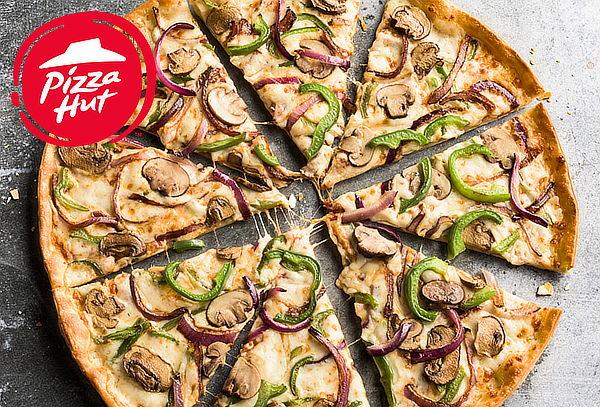 PIZZA HUT: 2 Pizzas de 6 Porciones + Bebidas. 10 Sedes