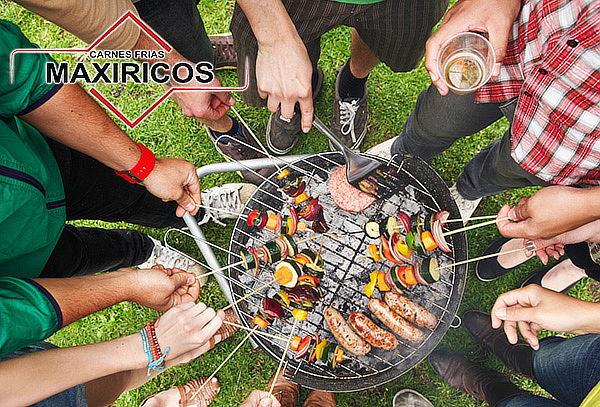 Combo Asado: Costilla + Chorizos + Longaniza y Más