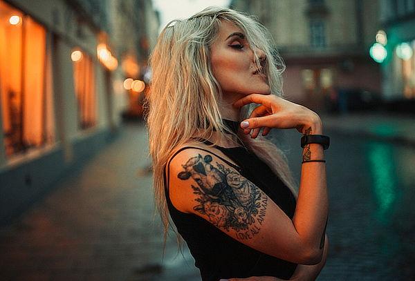 Tatuaje Tamaño 15x15 cm a Color o Blanco y Negro Galerias