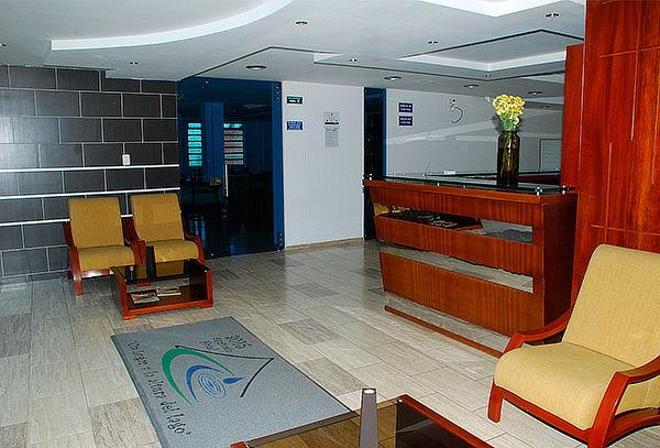 Tota: Alojamiento 2 o 3 Personas Hotel 3.015 Aquitania