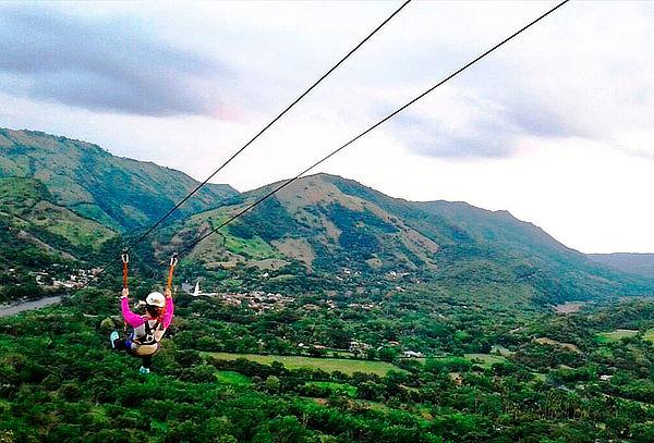 Aventura Extrema Canopy de 1180 mts en Útica