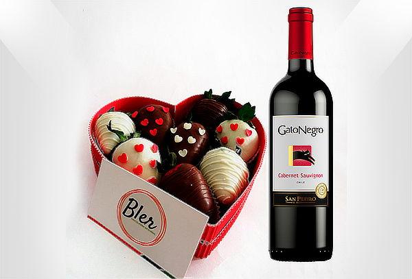 Caja con Fresas de Chocolate + Botella Vino Tinto + Mensaje