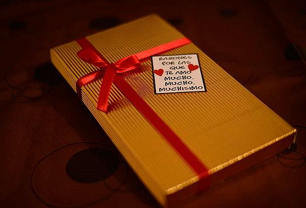 28 Tabletas de Chocolate con Etiquetas de Amor con Domicilio