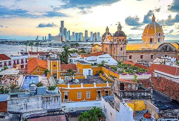 Para Dos 2D/1N. Cartagena Apartahotel Orange Temporada Baja