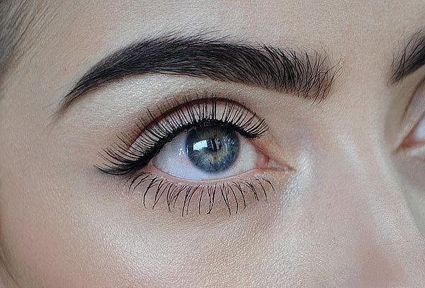 Micropigmentación de Cejas Pelo a Pelo Efecto 3D