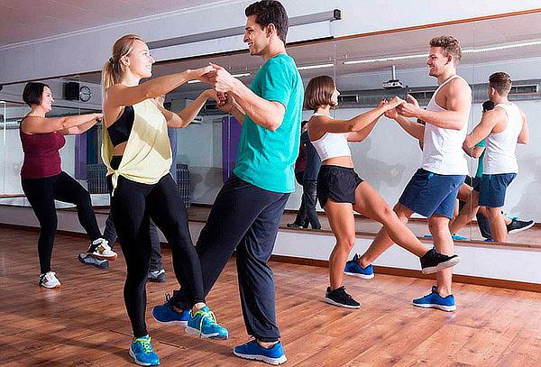 4, 8, 12 o 16 Clases de Baile Personalizadas a Elección