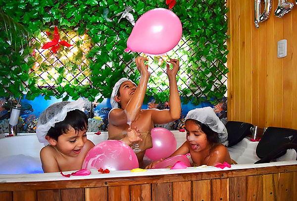 Spa 3 Niños con Jacuzzi Espumoso + Helado en 1°Mayo con 30