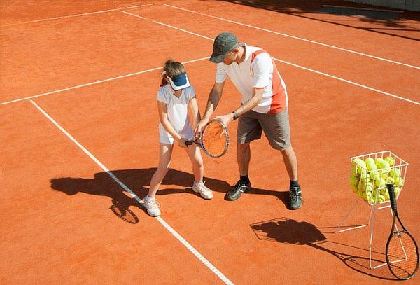 1 Mes de Clases de Tenis de Campo para Niños y Jóvenes