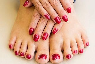 Manicure + Pedicure con Esmaltes Semipermanentes en Gel