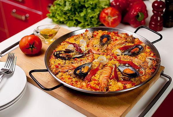 Paella Valenciana para 10, 20 o 30 Personas con Menaje