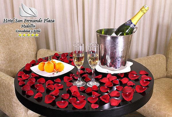 Noche Romántica en el Hotel San Fernando Plaza