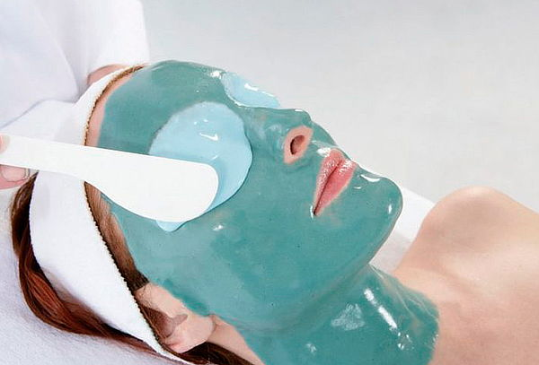 Hidratación Facial con Mascarilla Plástica en Alambra