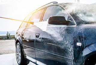 Lavado de Automóvil + Lavado de Motor + Regalo y más