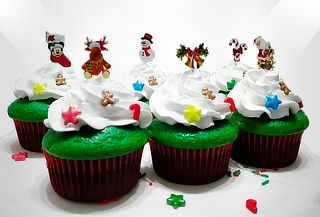 16 Cupcakes Rellenos Mediano Standard o Grandes + Obsequio