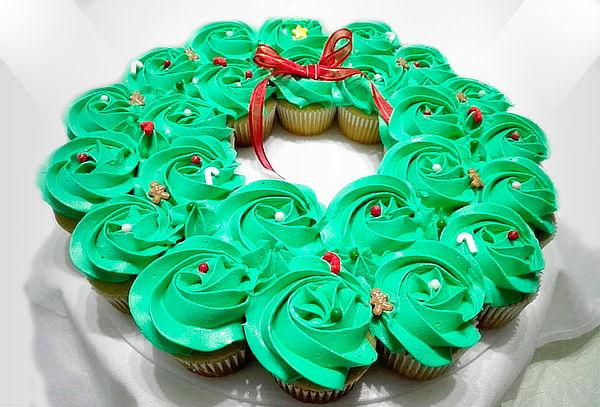 Corona Navideña de Cupcakes Rellenos Medianos + Obsequio
