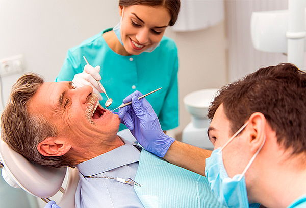 Implante Dental en Titanio
