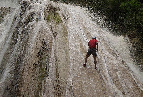 Trekking + Viaje en Tren + Canyoning  en Tobia