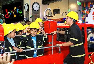 Divercity Fiesta para 6 Niños + 2 Adultos