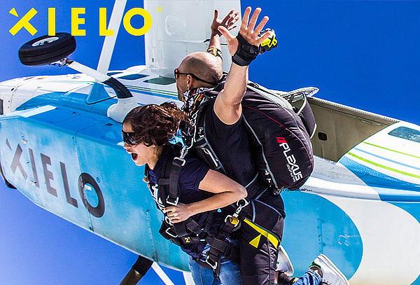 XIELO: Salto con Paracaidas + Video + Fotos