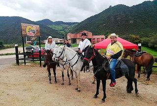 Cabalgata y Parrillada para 2 Personas en La Calera