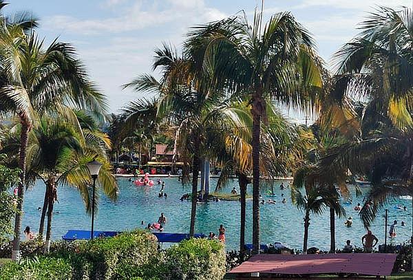 Pasadía a Playa Hawai +Transporte + Desayuno Enero