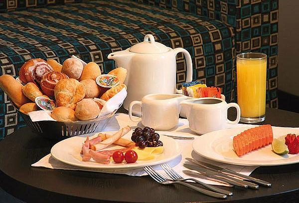 Plan Romántico en Pareja a Elección: Alojamiento + Desayuno