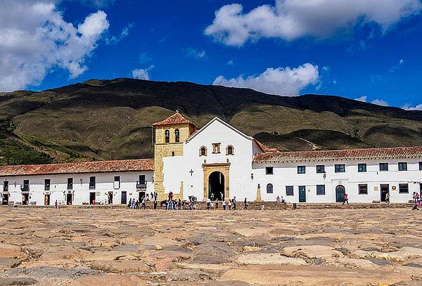 Tour Villa de Leyva + Sutamerchán + Raquira + Pozos azules