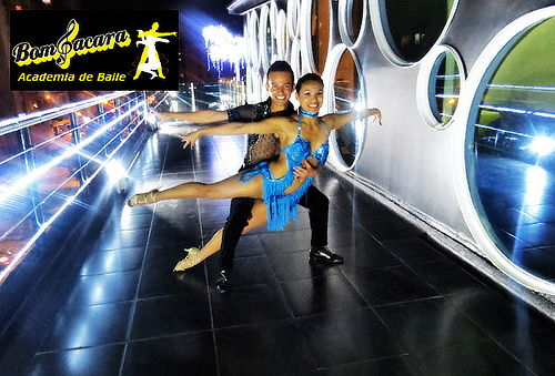 1 Mes de Clases Ilimitadas de Baile a Elección en Castilla