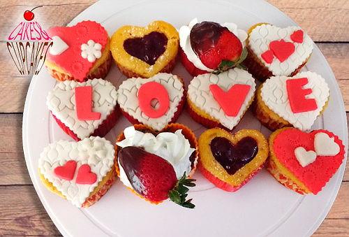 12 Cupcakes en Forma de Corazón Personalizados a Domicilio
