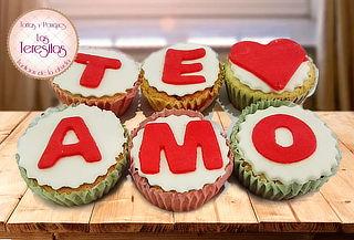 Dos Cajas de 6 Cupcakes Tematicos de Amor y Amistad