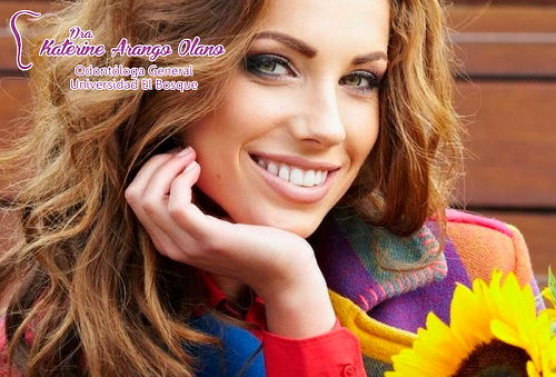 Diseño de Sonrisa en 6 Dientes + Blanqueamiento en Unicentro