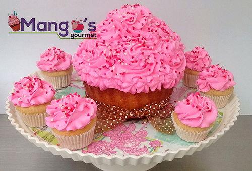 Cupcake Gigante + 12 Mini Cupcakes + Tarjeta