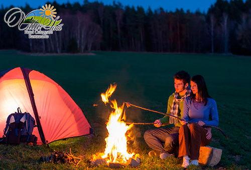 Camping Romántico + Cena para 2 en Macheta