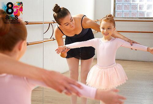 Clases de Ballet y Fortalecimiento para Niñas