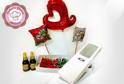 Caja de 12 Rosas Tipo Exportación, Cervezas y Cupcakes