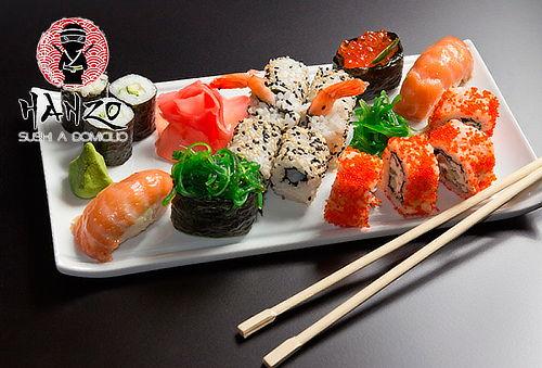 2 Rollos de Sushi a Elección + Entrada a Domicilio