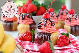 Caja de 6 Cupcake de Vainilla, Fresa, Chocolate o Café Moca