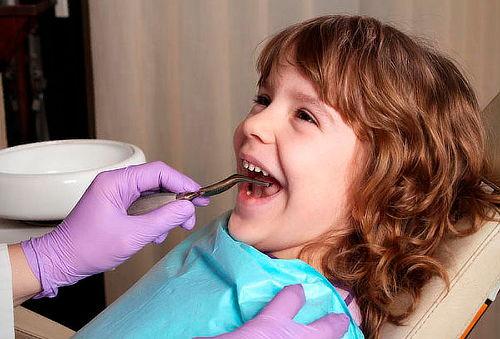 Dental Park: Paquete de resinas y limpieza infantil 85%