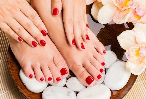 Manicure + pedicure + Gelish en pies 86%