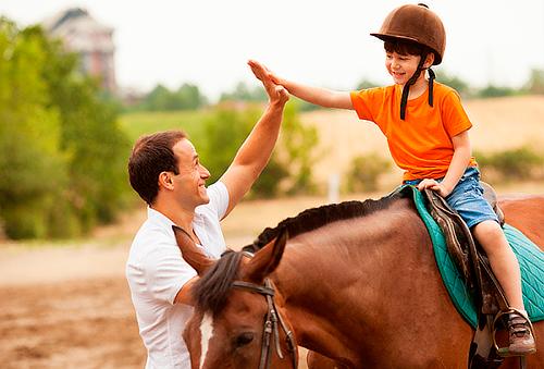 ¡Verano Divertido para TODOS! Clases de Equitación 60%