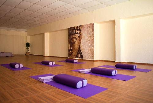1 Mes de Yoga Restaurativo para Adultos 80%