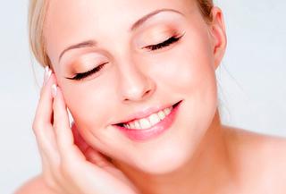 Eliminación de cicatrices con láser luce un rostro impecable