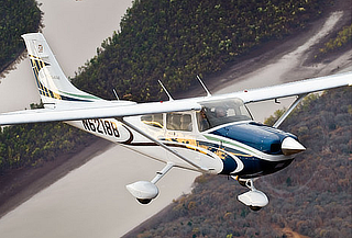 Vuelo Romántico en Avioneta Cessna + Botella De Vino