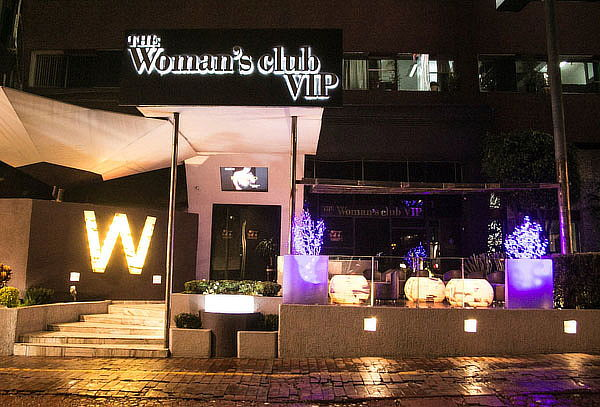 """The Woman´s Club"" 6 Covers + 6 Shot + Baile + Regalo 80%"