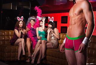 Woman's Club Despida de Soltera 4 Covers + 4 Shots y más