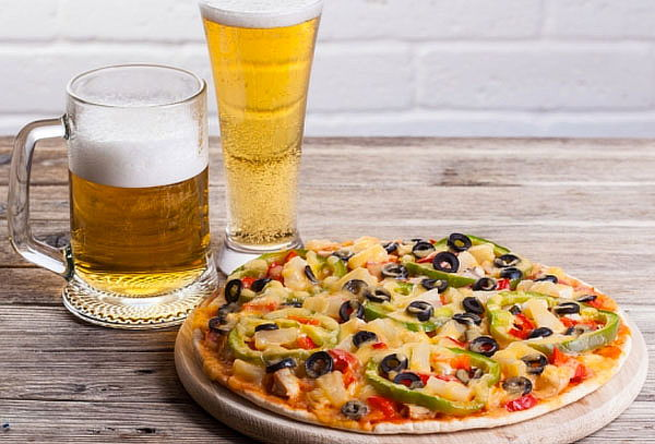 Empanada a elección + Pizza + Cervezas para 2 ¡Purabrasa!